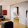 Современные стеклянные изделия в интерьере