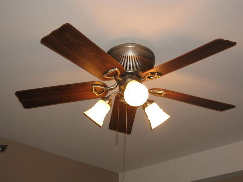 Как установить потолочный вентилятор?