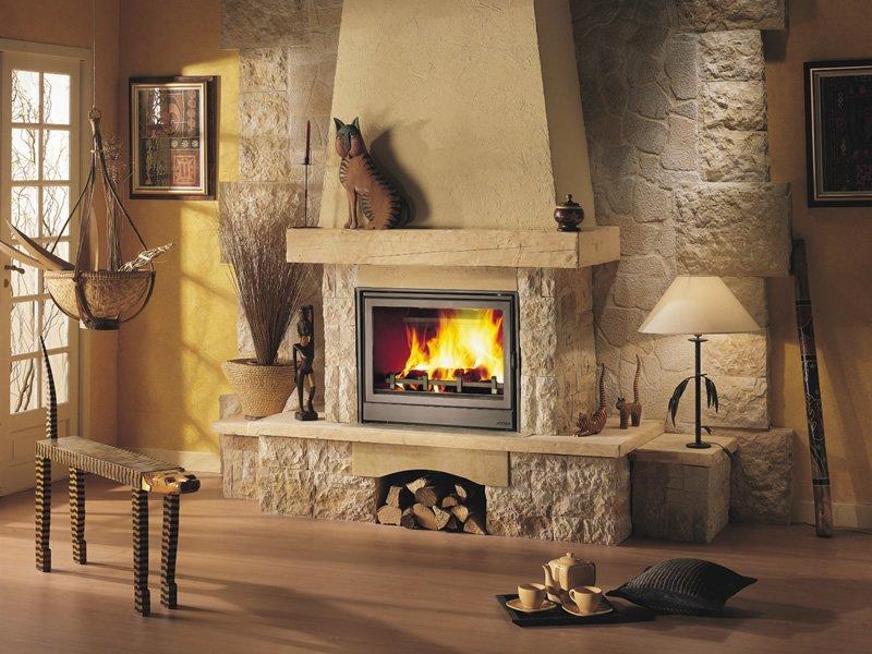 Живой огонь в доме: кладём камин сами