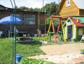 Детская площадка в саду