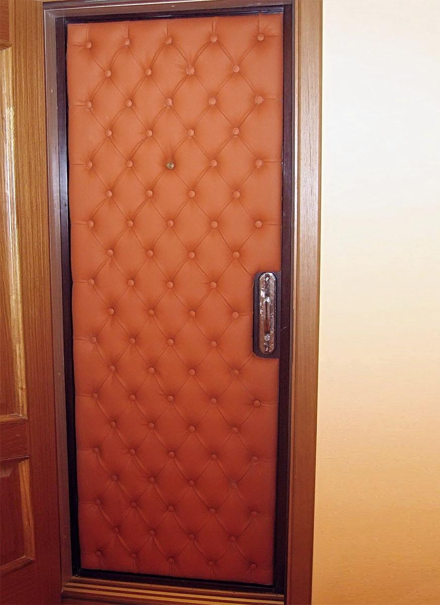 Изготавливаем металлическую дверь своими руками
