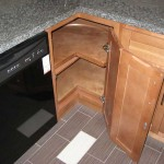Г-образная форма углового кухонного шкафа