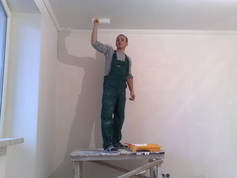 Секреты покраски потолочной плитки, с которыми делать ремонт намного проще