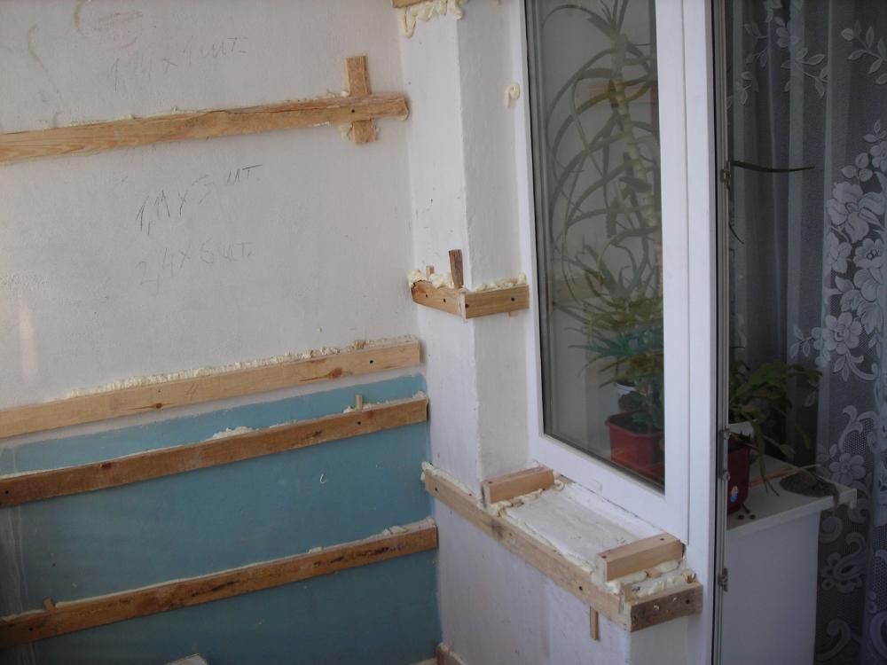 Как сделать обрешетку на балконе под вагонку.