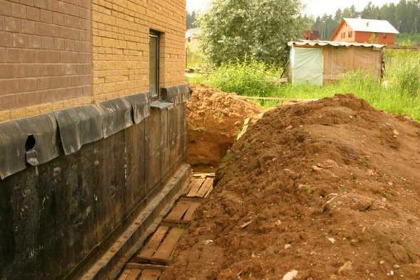 Как спасти дом от гниения при низком фундаменте