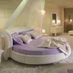 Круглая кровать с балдахином