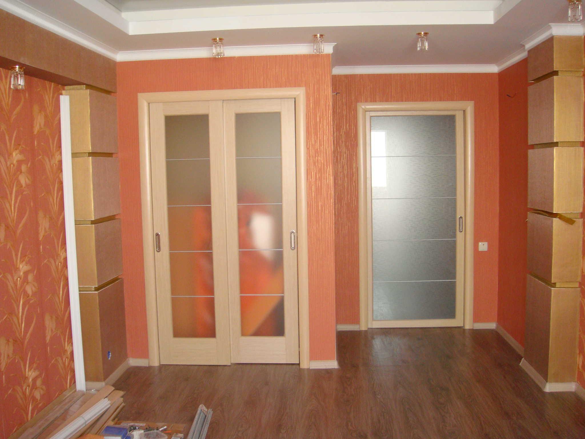 Как установить межкомнатную двойную дверь