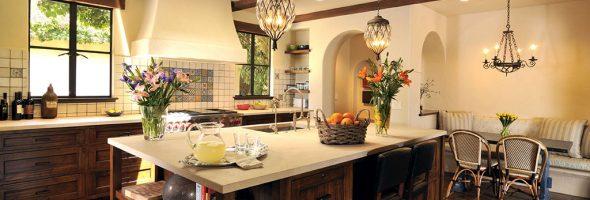 Интерьер кухни в испанском стиле – традиции страсти жгучего солнца