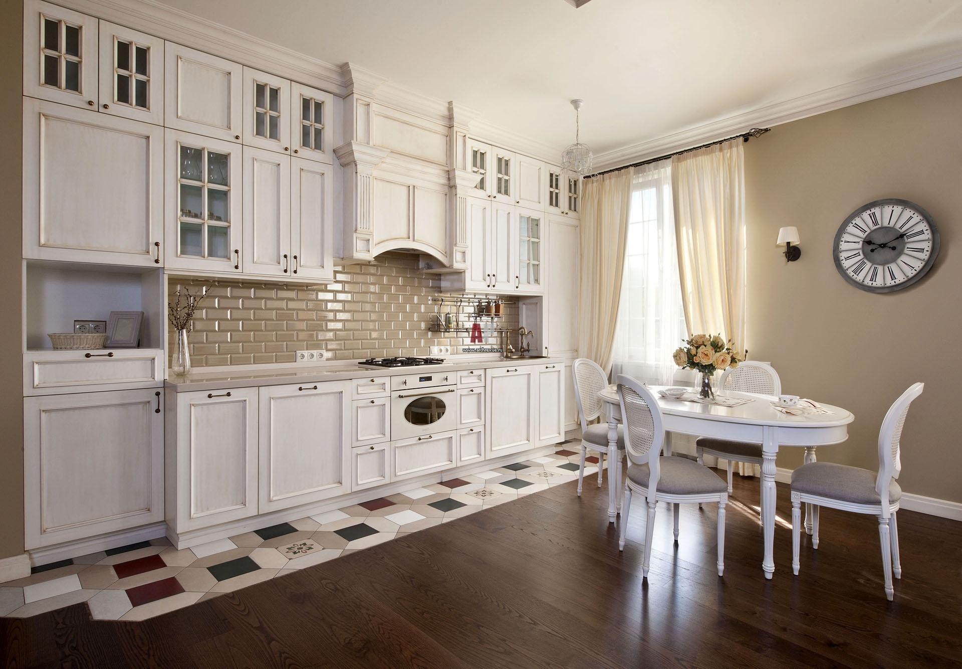 дизайн декор интерьера красивой кухни в стиле прованс на фото обои