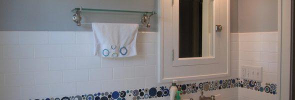 Плитка вокруг ванны: замена и укладка