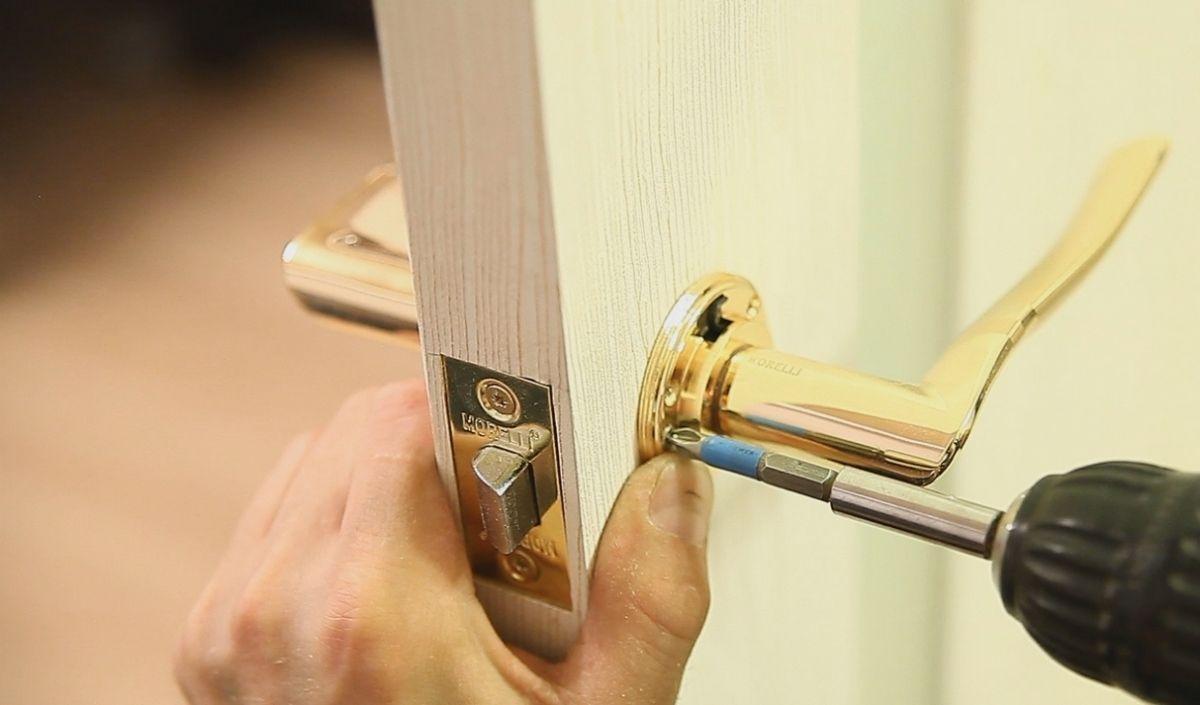 Самостоятельный ремонт дверных ручек