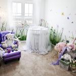 Детская комната для новорождённого с цветами