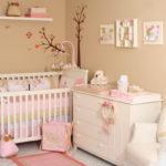 Персиковая комната для новорождённой девочки