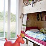 Детская комната в скандинавском стиле с многофункциональной кроватью