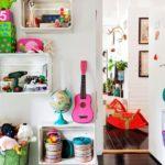 Детская комната в скандинавском стиле с яркими акцентами