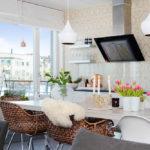 Зелёные растения в интерьере кухни