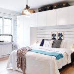 Белая спальня в деревянном доме