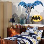 Комната подростка с Бэтменом
