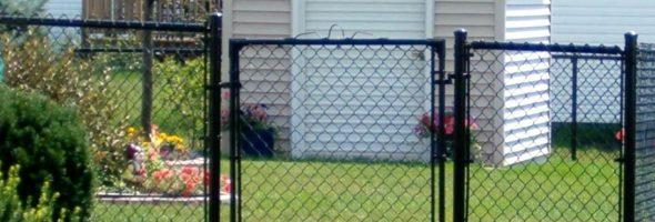 Черный секционный забор